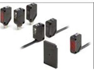 Omron Industrial E3ZD82 Photoelectric Sensor