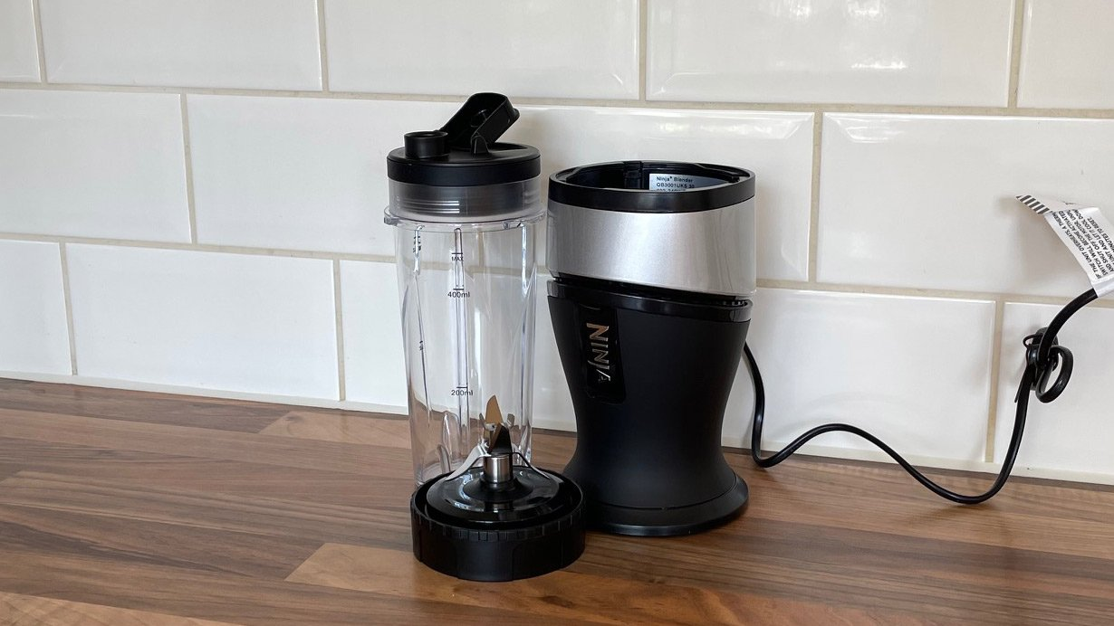 Ninja Personal Blender and Smoothie Maker QB3001 on a kitchen countertop